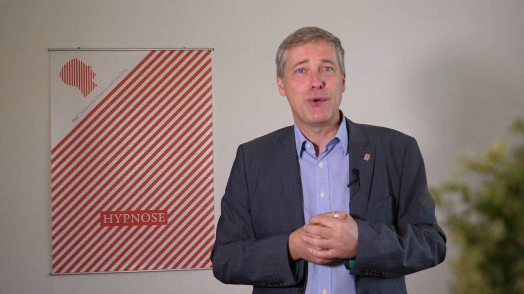 Ihr Hypnotiseur: Tobias Paul | Leiter des IHC | Institut für Hypnose und Coaching